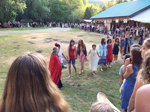 Symposium Maidens.Bella.2017